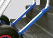 Płozy plastykowe, umożliwiają pokonywanie przeszkód na drodze transportowej takich jak stopnie schodów, krawężniki chodników, progi itp.